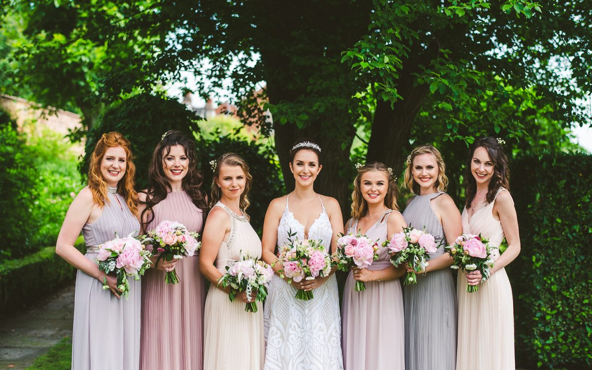 How to plan your wedding family group photos